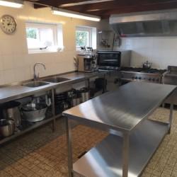 Der Küchenbereich in der Ferienanalge im niederlänischen Haus Nijsingh.