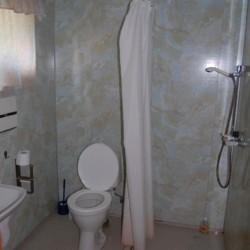 Badezimmer im Freizeitheim für große Gruppen in Norwegen im Freizeitheim am See