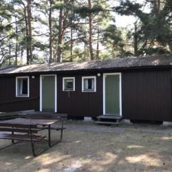 Schlafhütte im schwedischen Freizeitheim Gustavs auf Gotland in Schweden