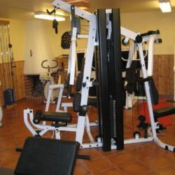 SEID_7X_1 Fitnessstudio im Freizeitheim Idrottsgården i Flen in Schweden.