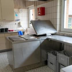 gut ausgestattete Profiküche im deutschen Kinderfreizeit und Jugendferienhaus Waldheim Häger