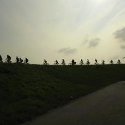 Fahrradtour und Kanuwanderung zum Badesee am Gruppenhaus Rorichmoor in Deutschland.