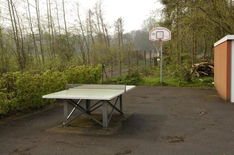 Basketball und Tischtennis am deutschen Freizeitheim Settrup in Niedersachsen.