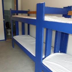 Mehrbettzimmer im Freizeithaus Ristingegaard in Dänemark.