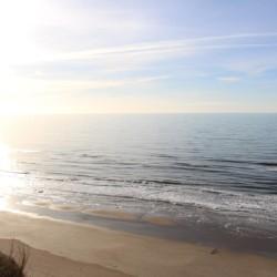Der weitläufiger Strand am dänischen Kinder- und Jugendfreizeitheim Rubjerglejren.