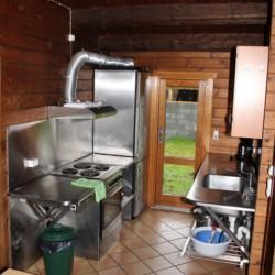 Küche im dänischen Gruppenhaus Tydal für barrierefreie Freizeiten.