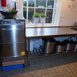 NLNI_5K_1 Der Küchenbereich in der Ferienanalge im niederlänischen Haus Nijsingh.