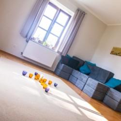 Gruppenraum im Freizeitheim Dornach in Bayern für Kinderfreizeiten