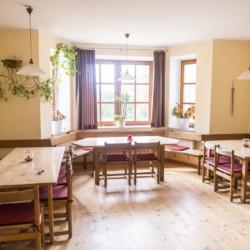 Speiseraum im Freizeitheim Dornach in Bayern für Kinderfreizeiten