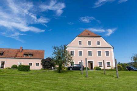 Freizeitheim Ering in Bayern für Jugendfreizeiten
