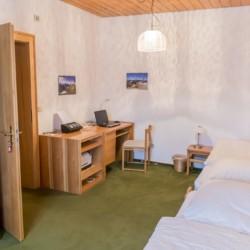 Doppelzimmer im Gruppenhaus Ering in Bayern für Jugendfreizeiten