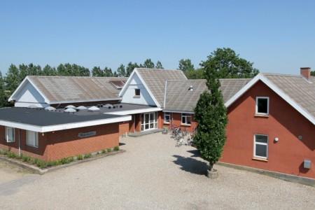 Das dänische Freizeitheim Haervejens Leirskole für große Gruppen.