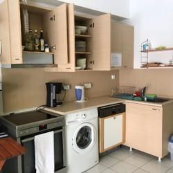 Selbstversorger-Küche im griechischen barrierefreien Gruppenhaus am Meer