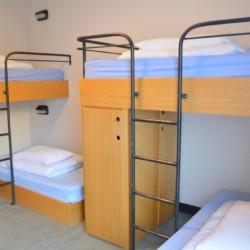 Etagenbetten im irischen Gruppenhaus Donegal Hostel für Kinder und Jugendfreizeiten.