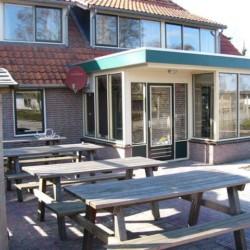 Der Außenbereich des niederländischen Gruppenhauses Doevehuis.