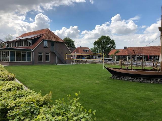 Das Außengelände des niederländischen Gruppenhauses Doevhuis.