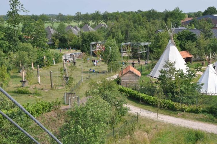 Der Hochseilgarten im niederländischen Freizeitheim Schaapskooi.