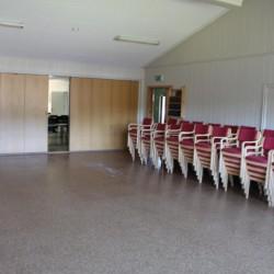 Der Aufenthaltsraum im Haus Kvinatun in Norwegen.