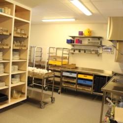 Die Küchenausstattung des Gruppenhauses Kvinatun in Norwegen.