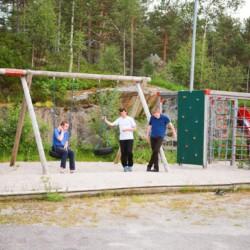 Das Gelände um das norwegische Gruppenhaus Kvinatun.