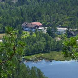 Das Gruppenhaus Kvinatun in Norwegen von oben.