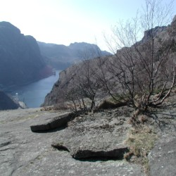malerische Umgebung am norwegischen Gruppenhaus Ognatun Ungdomssenter