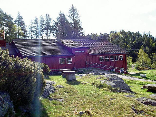 Ein Haus des Freizeitheims Undeland in Norwegen.