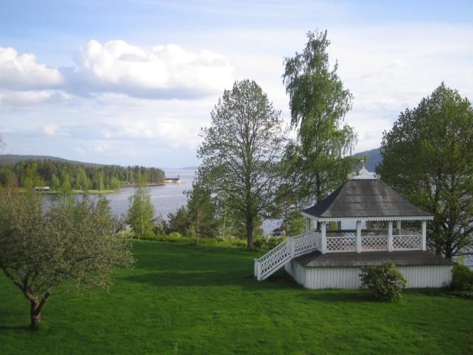 Das schwedische Freizeithaus Berga Gård bietet den Gruppen einen Pavillon.