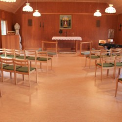 Der Andachtsraum im schwedischen Gruppenraum Berghems.