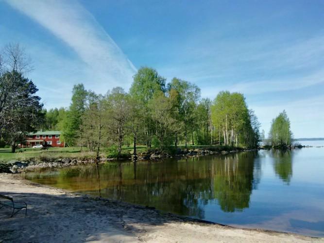 Das schwedische Freizeitheim für Jugendgruppen am See