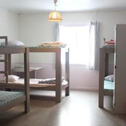 Schlafraum im schwedischen Gruppenhaus Däldenäs direkt am See für Jugendfreizeiten