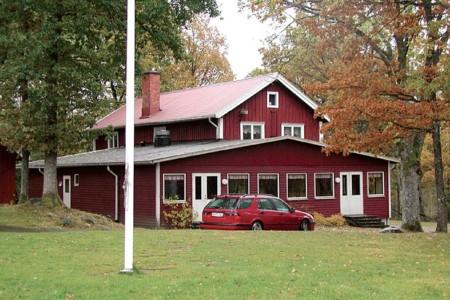 Das Freizeithaus Flahult Ungdomsgård in Schweden für Kinder und Jugendreisen.