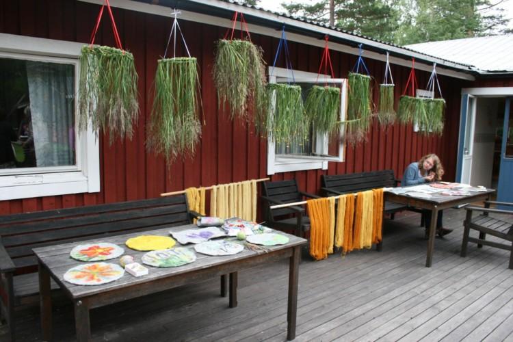 Die Terrasse in schwedischen Gruppenhaus Gläntan.