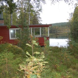 See am Gruppenheim für Kinder und Jugendliche Gussjöstugan in Schweden.