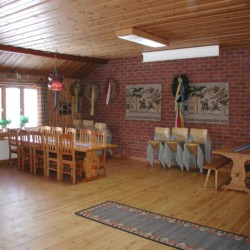 Gruppenraum im schwedischen Freizeitheim Gussjöstugan.