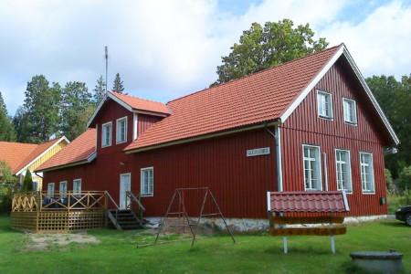 Das Gruppenheim für Kinder und Jugendreisen Högsma Bygdegård in Schweden.