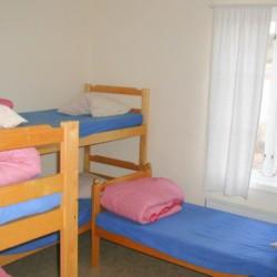 5 Bett Zimmer für Jugendfreizeiten im schwedischen Freizeitheim Långserum Fritidsgård direkt am See
