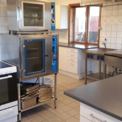 Profi-Küche im schwedischen Gruppenhaus Långserum Fritidsgård direkt am See