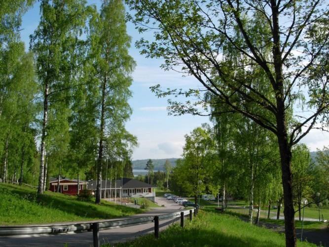 Die Auffahrt zum Gruppenhaus Ralingsåsgården in Schweden.