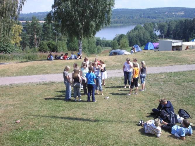 Das weitere Gelände um das schwedische Gruppenhaus Ralingsåsgården.