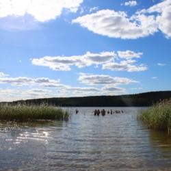 Der am Gruppenhaus Sjöhaga gelegene See in Schweden.
