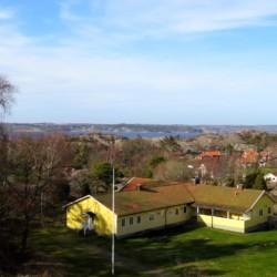 schwedisches Freizeitheim KFUM-Gård Skaftö für Jugendfreizeiten direkt am See
