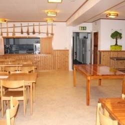 Der Speisesaal im Gruppenhaus Stenbräcka in Schweden.