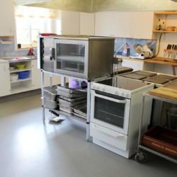 Die Küche im Freizeitheim Stenbräcka in Schweden.