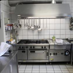Die Küche im Deutschen Gruppenhaus Larsgesberg.