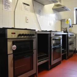 Küche im irischen Hostel Lackan House für Jugendfreizeiten