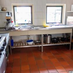 Küche im niederländischen Freizeitheim Doevehuis