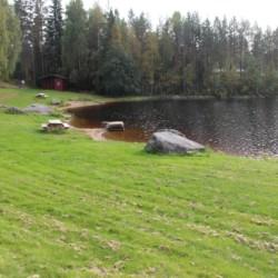 Man kann einen Tag am See verbringen und picknicken