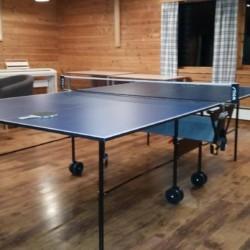 Im Gruppenraum des norwegischen Gruppenhauses gibt es auch eine Indoor-Tischtennisplatte.