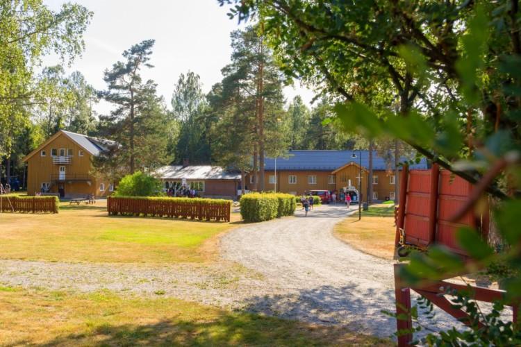 Das Gelände des Gruppenhauses Sjöglimt in Norwegen.